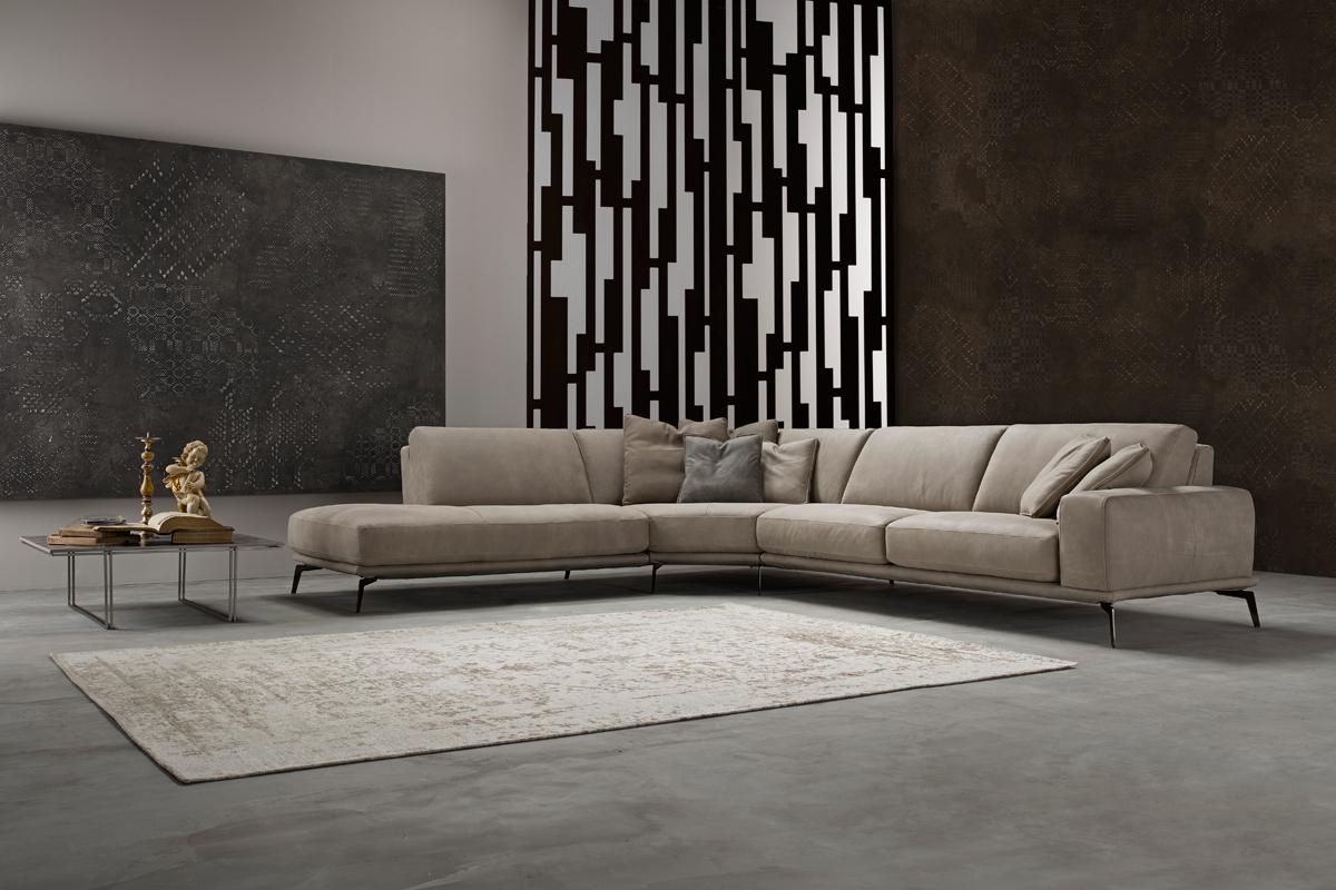 Bracci High Quality Sofa